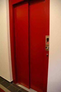 plné automatické dveře komaxit