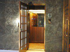 osobní výtah v historickém objektu