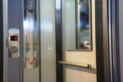 kabina v provedení Plalam s ovladači
