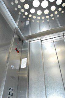 kabina a strop osobního výtahu