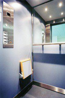 kabina v provedení lamino